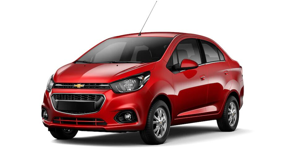 Chevrolet Beat Notchback 2020, sedán en color rojo granada